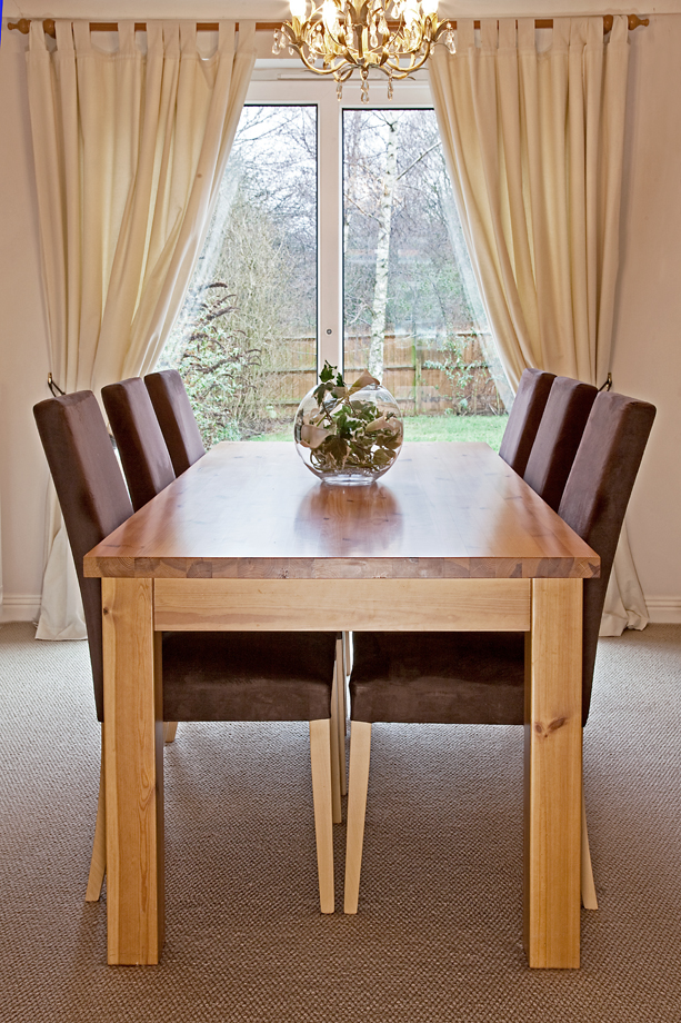 Dining table Saffron Walden [1209]